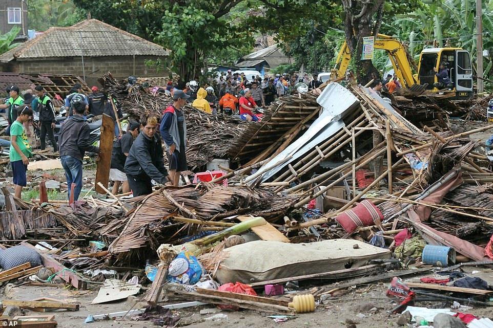 Ít nhất 280 người tử vong trong vụ thảm họa sóng thần ở Indonesia 4