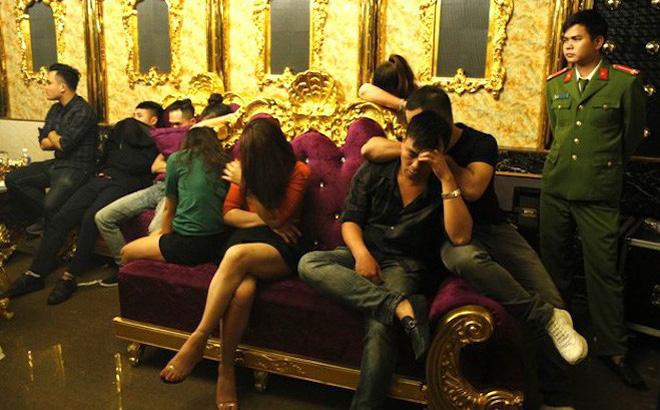 Phạt giáo viên và sếp ngân hàng 1 triệu đồng vì sử dụng ma túy trong quán karaoke 1