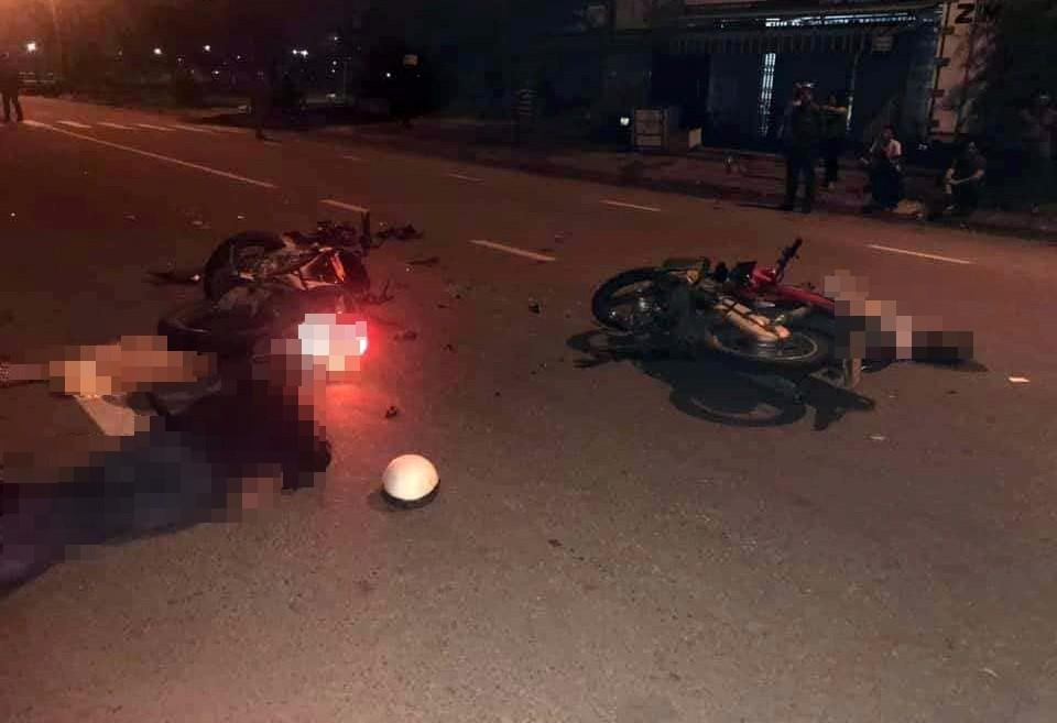 Tin tức tai nạn giao thông mới nhất ngày 27/12: Xe máy đâm nhau kinh hoàng, 2 người tử vong 1