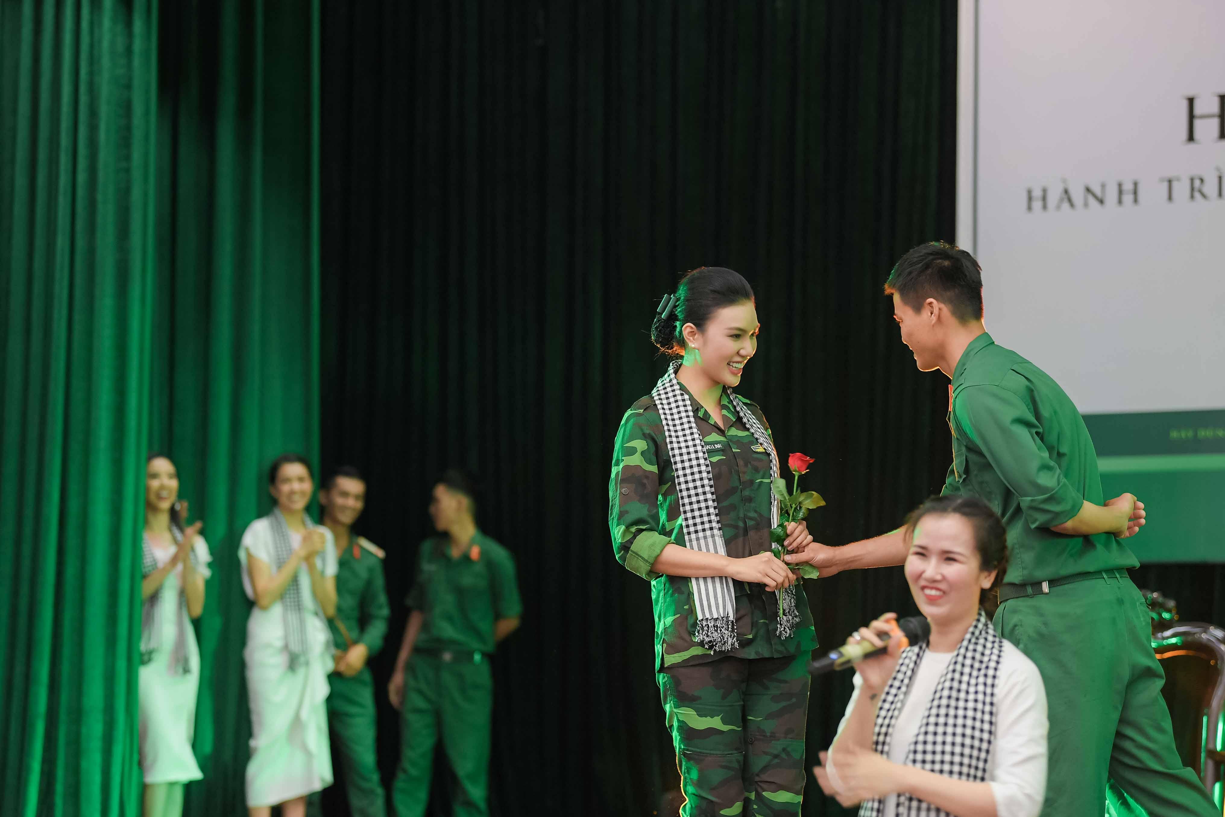 Nữ xạ thủ Giao Linh xinh đẹp hút hồn tại sự kiện 3