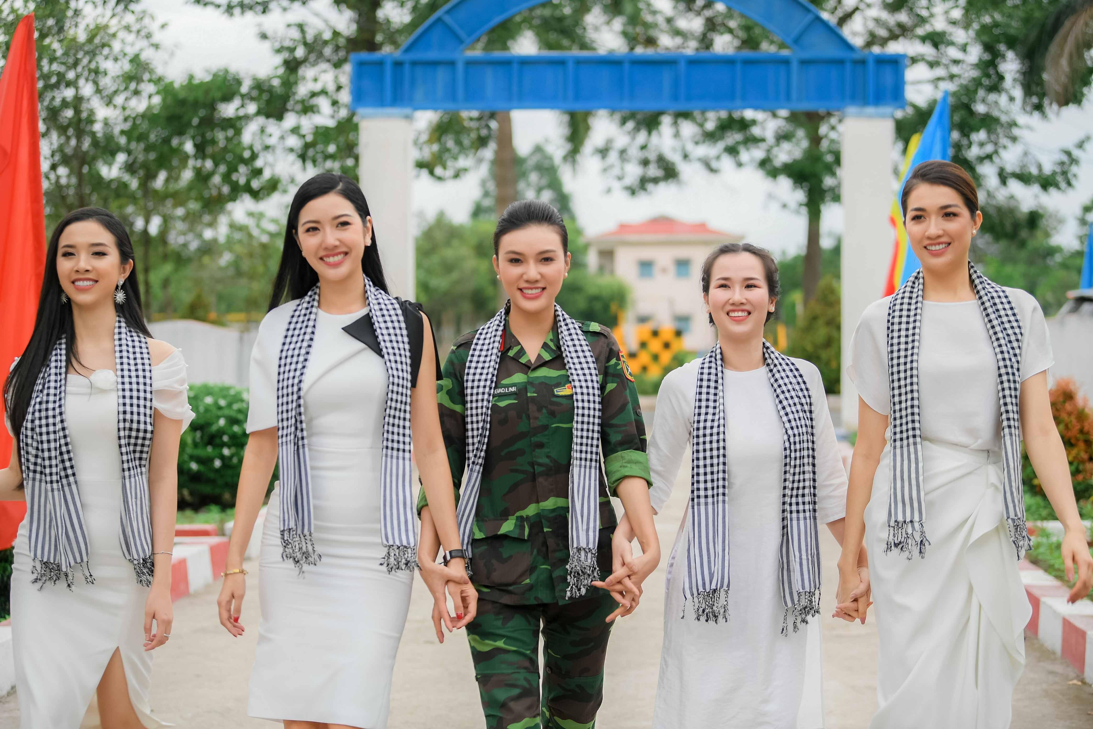 Nữ xạ thủ Giao Linh xinh đẹp hút hồn tại sự kiện 1