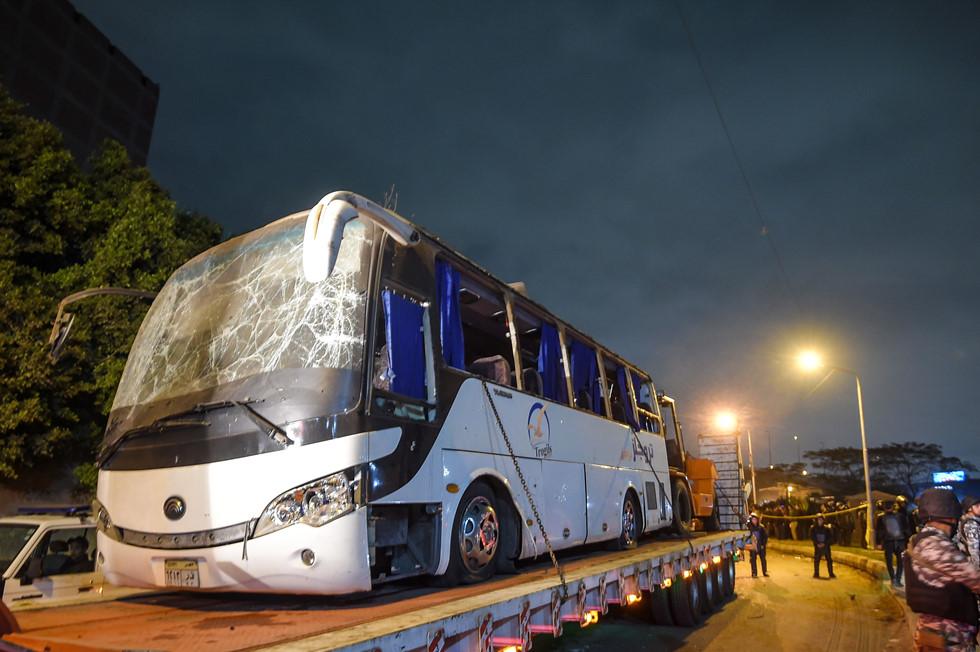 Cận cảnh hiện trường vụ xe buýt chở 14 du khách Việt bị đánh bom ở Ai Cập 6