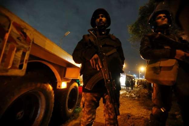 Vụ đánh bom xe du khách Việt tại Cairo: Ai Cập tiêu diệt 40 nghi phạm khủng bố 1