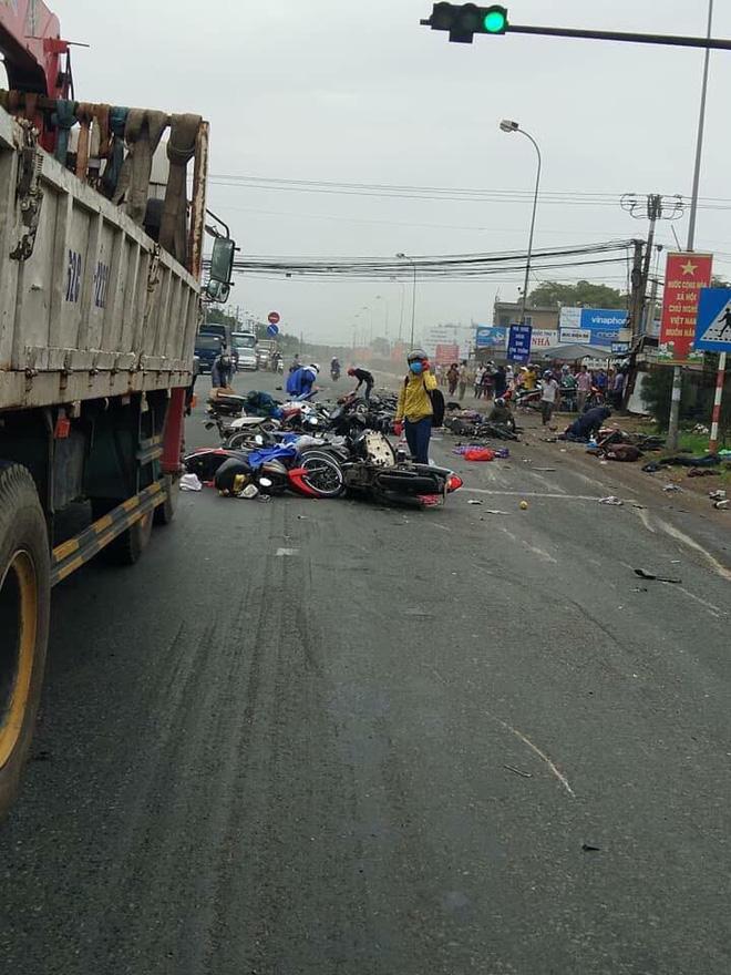 Hình ảnh Hình ảnh hiện trường tai nạn giao thông ở Long An số 2