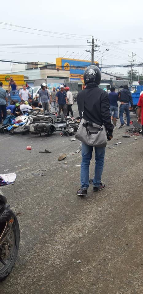 Hình ảnh Hình ảnh hiện trường tai nạn giao thông ở Long An số 5
