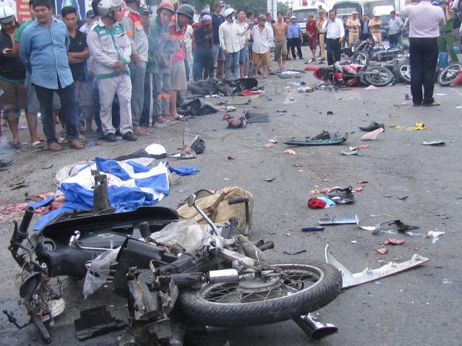 Hình ảnh Vụ tai nạn giao thông ở Long An: Tài xế thừa nhận uống rượu nhưng không dùng ma túy số 1