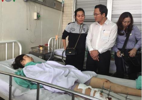 Hình ảnh Tai nạn giao thông ở Long An: Ủy ban ATGT quốc gia thăm các nạn nhân số 1