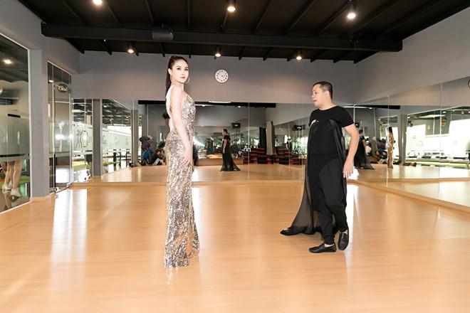 Tin tức giải trí mới nhất ngày 4/1/2019: Phạm Hương lộ biệt thự bên Mỹ 5
