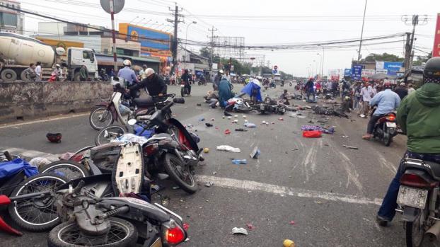 Tai nạn ở Long An: 6 người chết, 23 người bị thương trong 5 ngày nghỉ năm mới 1