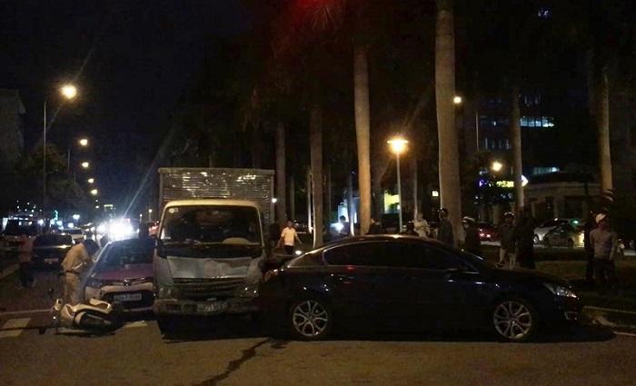 Vụ tông hàng loạt xe đang chờ đèn đỏ: Xe tải đã quá hạn kiểm định 3 tháng 1