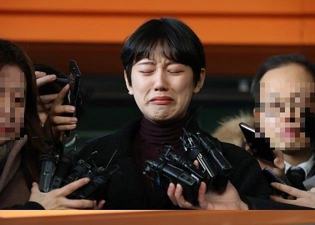 Hình ảnh Bị 20 gã đàn ông xâm hại, hot girl Hàn khóc nức nở sau khi được minh oan tại tòa số 1