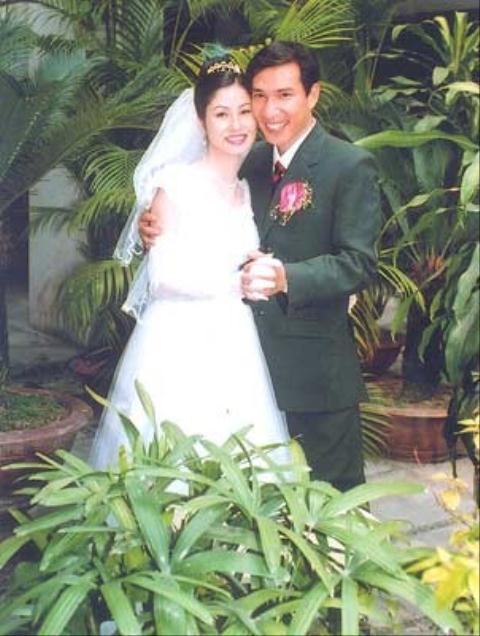 Hình ảnh Nhan sắc người vợ kém 12 tuổi được diễn viên Quang Thắng chấm từ năm lớp 10 số 1
