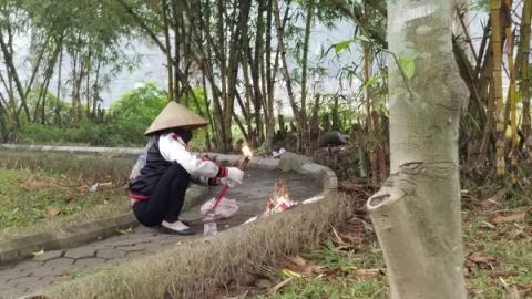 Bất ngờ kết quả khám nghiệm vụ cô gái tử vong trong vườn hoa Hà Đông 1