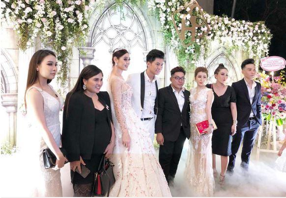 Hình ảnh Lâm Khánh Chi bất ngờ tiết lộ tên con trai đầu lòng trong buổi kỉ niệm 1 năm ngày cưới số 2