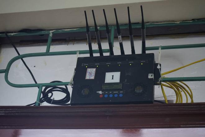 Hình ảnh Xử vụ án chạy thận ở Hoà Bình: Phòng báo chí lắp 2 cục áp chế sóng di động gây khó khăn cho PV số 1