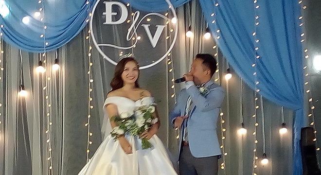 Đinh Tiến Đạt bất ngờ hát rap tặng vợ trong lễ cưới ở Sài Gòn 1