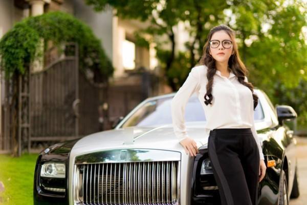 Hình ảnh Ngắm dàn siêu xe hàng chục tỷ mới biết sao Việt giàu đến cỡ nào số 3