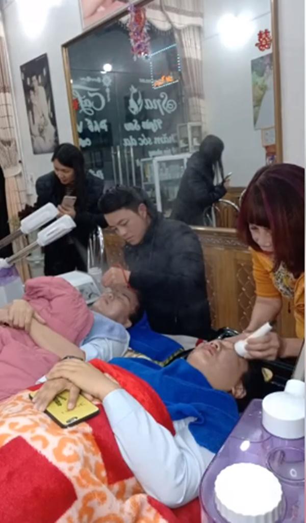 Chú rể 26 phục vụ quán massage của cô dâu 62 tại Cao Bằng 4