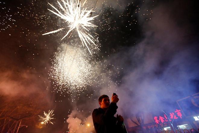 Người dân mua pháo hoa đốt dịp Tết có thể bị phạt 10 triệu 1