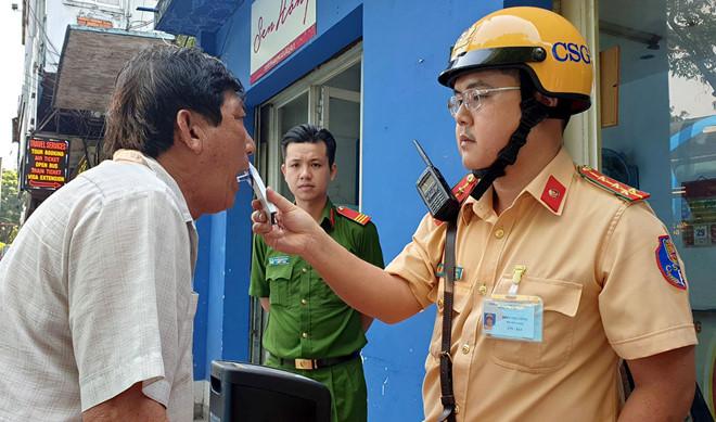 TP.Hồ Chí Minh: Tài xế hốt hoảng khi không dùng ma túy vẫn bị dương tính 1