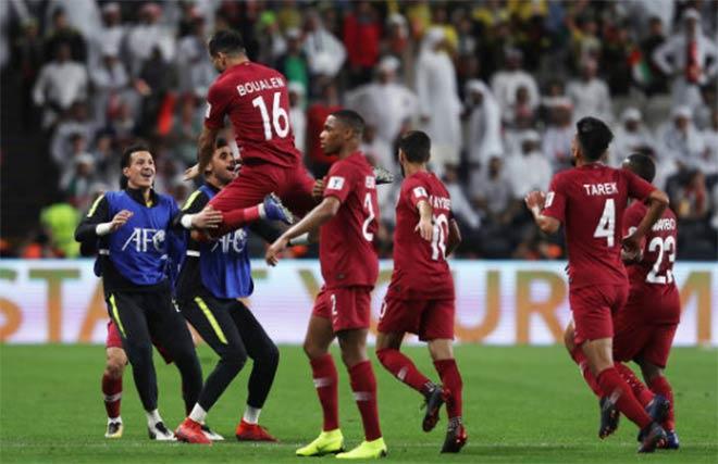 Vặn tịt các khán đài chủ nhà UAE, Qatar lần đầu vào chơi trận Asian Cup 1