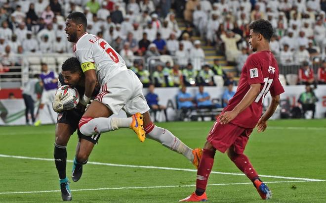 Vặn tịt các khán đài chủ nhà UAE, Qatar lần đầu vào chơi trận Asian Cup 2