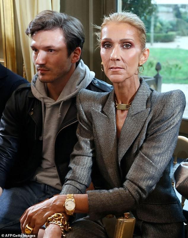 Fan ngỡ ngàng không nhận ra nữ ca sĩ Celine Dion: Thân hình trơ xương, khuôn mặt đầy nếp nhăn  2