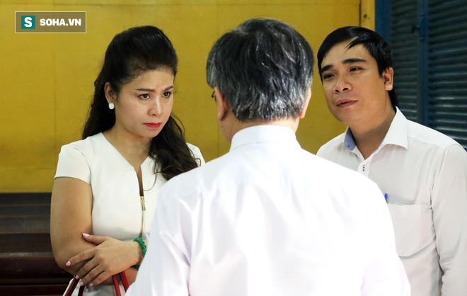 Hình ảnh Vợ chồng vua cà phê Trung Nguyên ra tòa ly hôn, không nhìn nhau dù chỉ 1 lần số 2