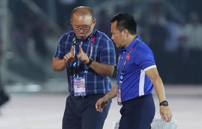 HLV Lê Thụy Hải nghi ngờ về tham vọng chinh phục World Cup của thầy Park 1