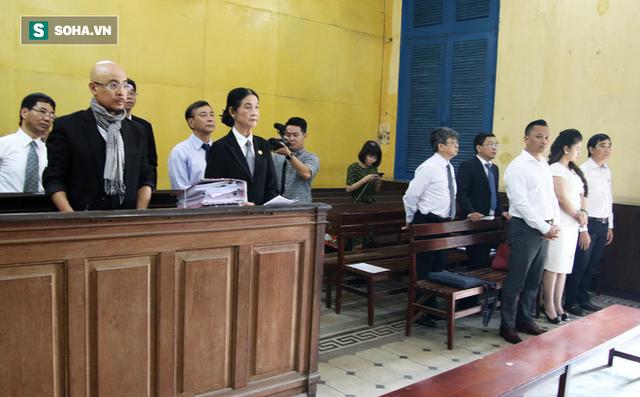 Hình ảnh Vợ chồng vua cà phê Trung Nguyên ra tòa ly hôn, không nhìn nhau dù chỉ 1 lần số 1