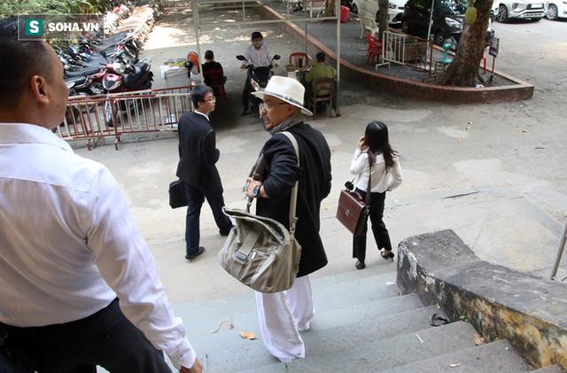 Hình ảnh Vợ chồng vua cà phê Trung Nguyên ra tòa ly hôn, không nhìn nhau dù chỉ 1 lần số 3