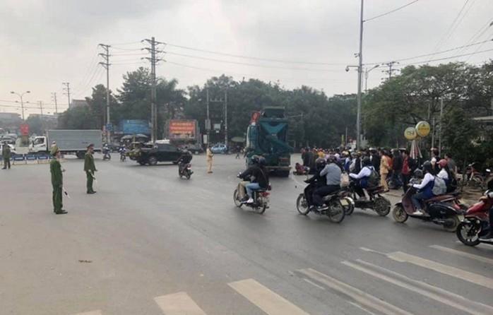 Tai nạn giao thông mới nhất ngày 1/2: Chở 3 tông vào lan can bên đường, 3 thanh niên đi xe máy thương vong 2