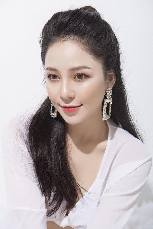 Táo Quân 2019: Hot girl Trâm Anh bị
