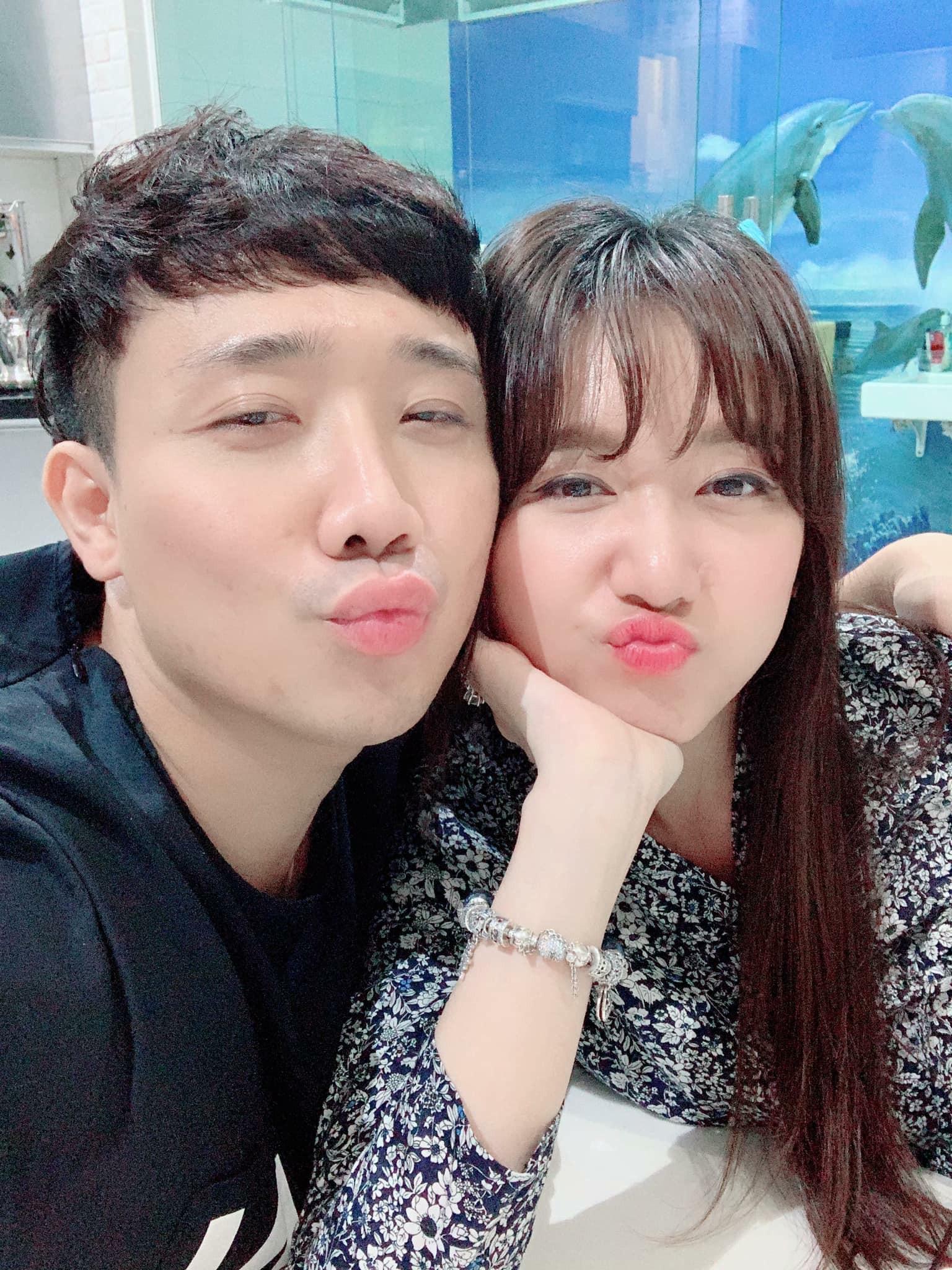 """Đăng status đầy mùi mẫn mừng sinh nhật Trấn Thành, Hari Won tiện thể tiết lộ hành trình bị ông xã """"cưa đổ"""" 1"""