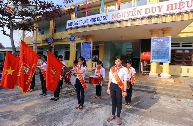 Buổi chào cờ đầu năm mới chìm trong nước mắt ở ngôi trường có 6 học sinh đuối nước thương tâm 10