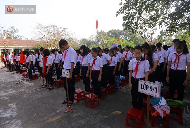 Buổi chào cờ đầu năm mới chìm trong nước mắt ở ngôi trường có 6 học sinh đuối nước thương tâm 5