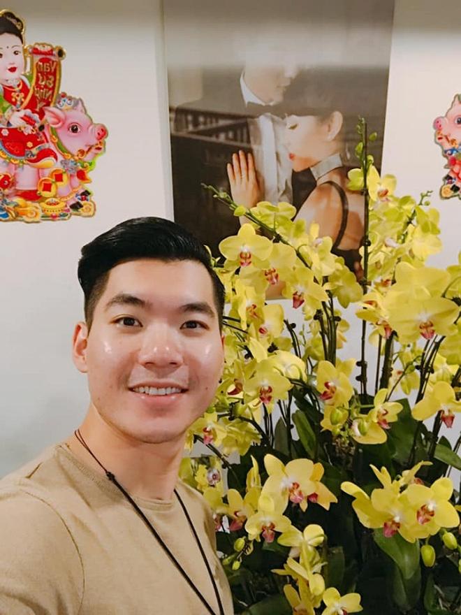 Cưới vợ đại gia, Trương Nam Thanh ăn Tết sang chảnh, tiền đô cũng gấp làm hoa cắm 5