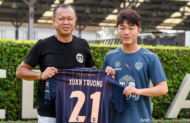 Hình ảnh Xuân Trường chính thức ra mắt Buriram United với áo số 21, được đãi ngộ cao nhất ĐNA số 2