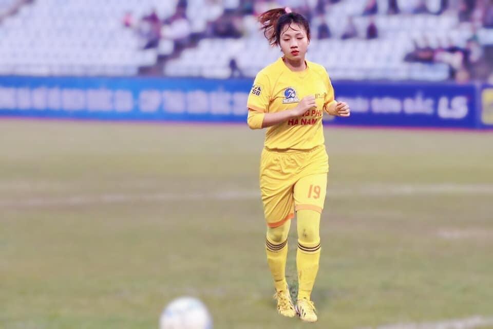 Chân dung nữ cầu thủ xinh đẹp nhất bóng đá nữ Việt Nam gây bão MXH 3