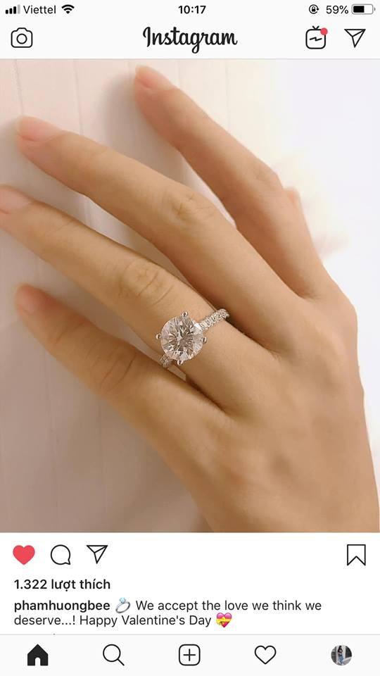 Hot: Phạm Hương xác nhận đã đính hôn, khoe nhẫn kim cương 1