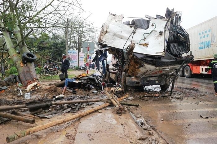 Lời kể của nhân chứng trong vụ tai nạn liên hoàn làm 1 người chết ở Thanh Hóa 1