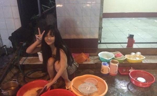 Cô gái Việt ngồi rửa bát được hàng nghìn chàng trai Trung Quốc kết bạn 1