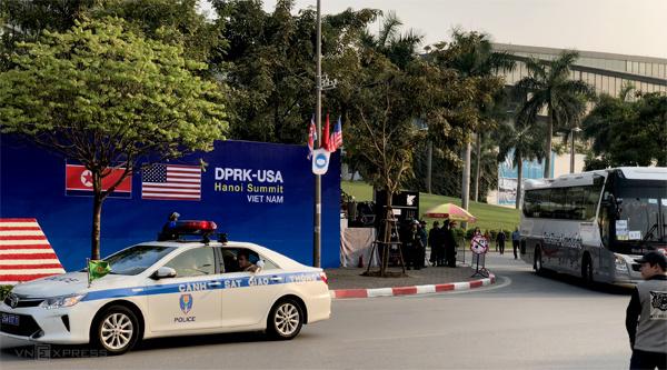 Tổng thống Trump và Chủ tịch Kim Jong-un chuẩn bị gặp mặt riêng 1