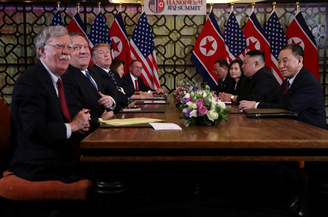 Những hình ảnh ấn tượng trong cuộc gặp của lãnh đạo Mỹ - Triều tại Hà Nội 16