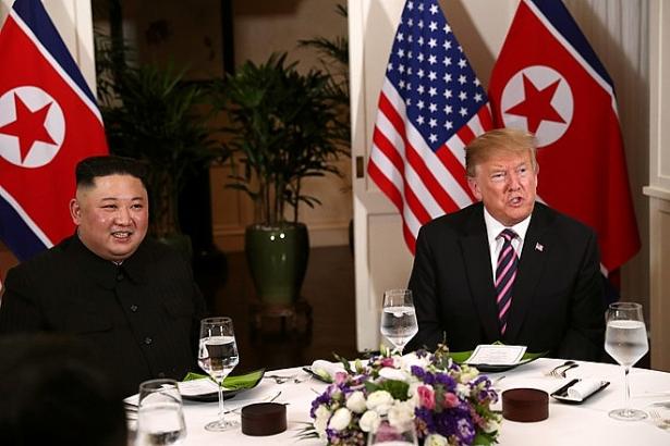 Những hình ảnh ấn tượng trong cuộc gặp của lãnh đạo Mỹ - Triều tại Hà Nội 12