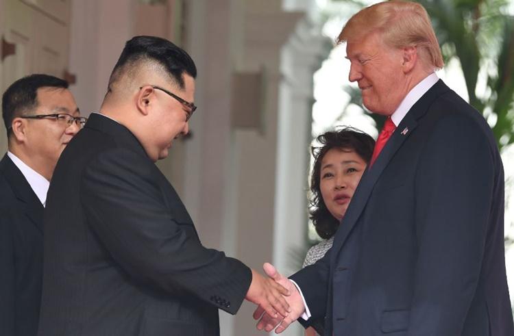 Tiết lộ người phụ nữ hai lần phiên dịch trong hội nghị Trump Kim 2