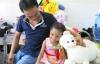 Bé gái 4 tuổi bị đánh đập dã man đòi đi học