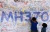 Gia đình hành khách MH370 kiện chính phủ và hãng hàng không