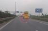 Xe giường nằm bị rơi bánh trên đường cao tốc