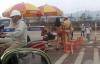 Bắc Giang: Cô gái trẻ lột đồ khi CSGT dừng ôtô